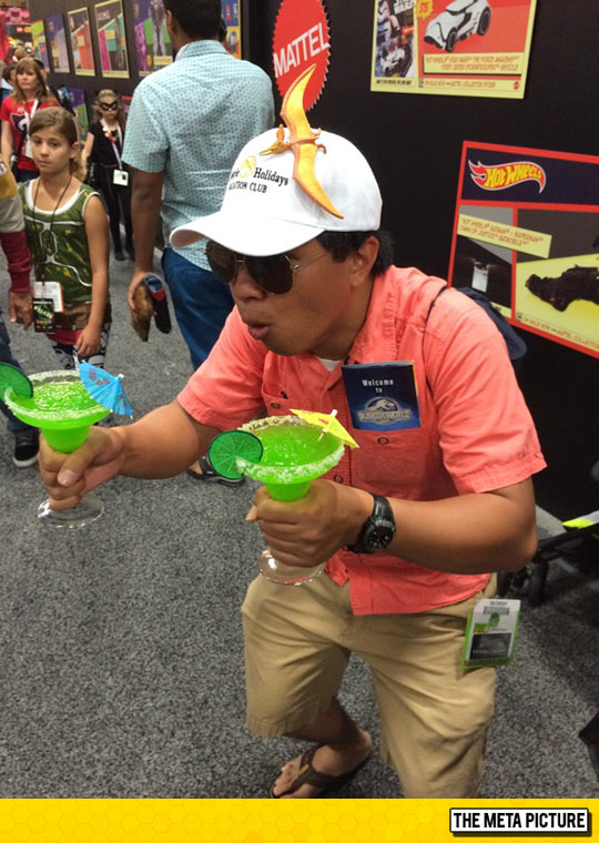 funny-Comic-Con-Jurassic-World-cosplay