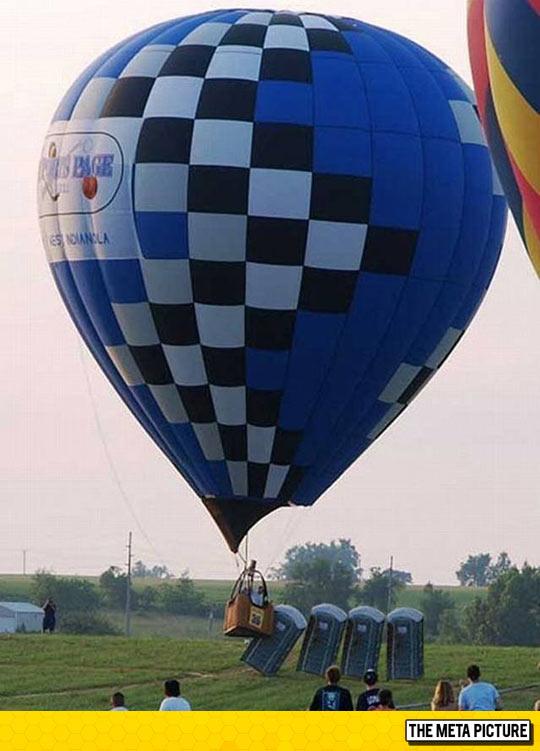 funny-balloon-aerostatic-fail-bathroom
