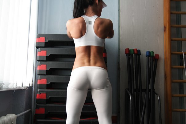 13 A Nice Day for White Yoga Pants