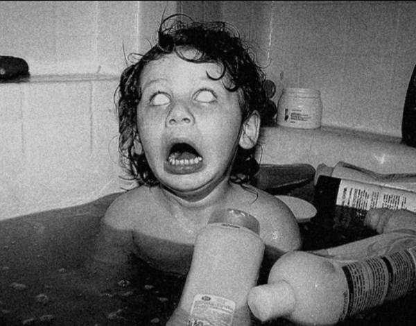 Vintage-Creepy-Old-Photos-no-eyes-kid