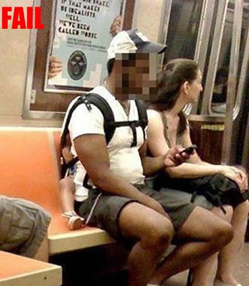 baby-carrier-on-subway