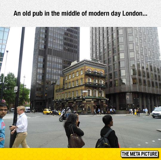 cool-London-pub-old-city-buildings