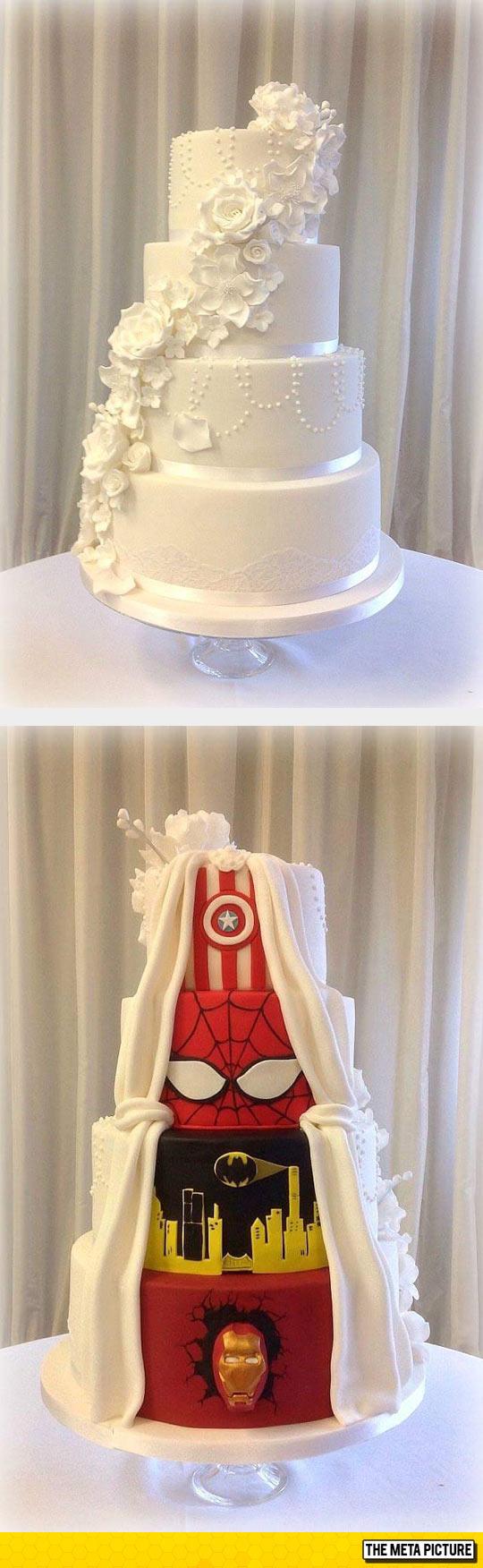 cool-cake-wedding-superhero-colors