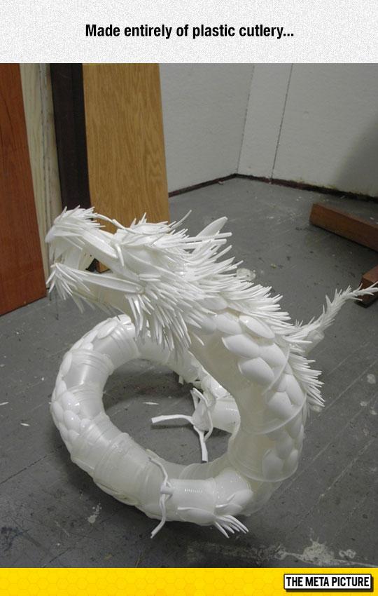 cool-sculpture-plastic-spoons-dragon