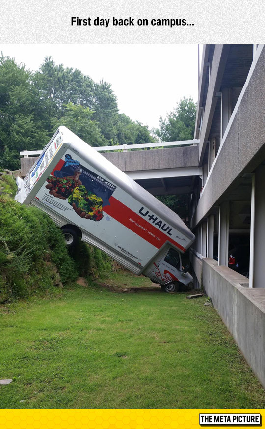 funny-moving-college-truck-crash