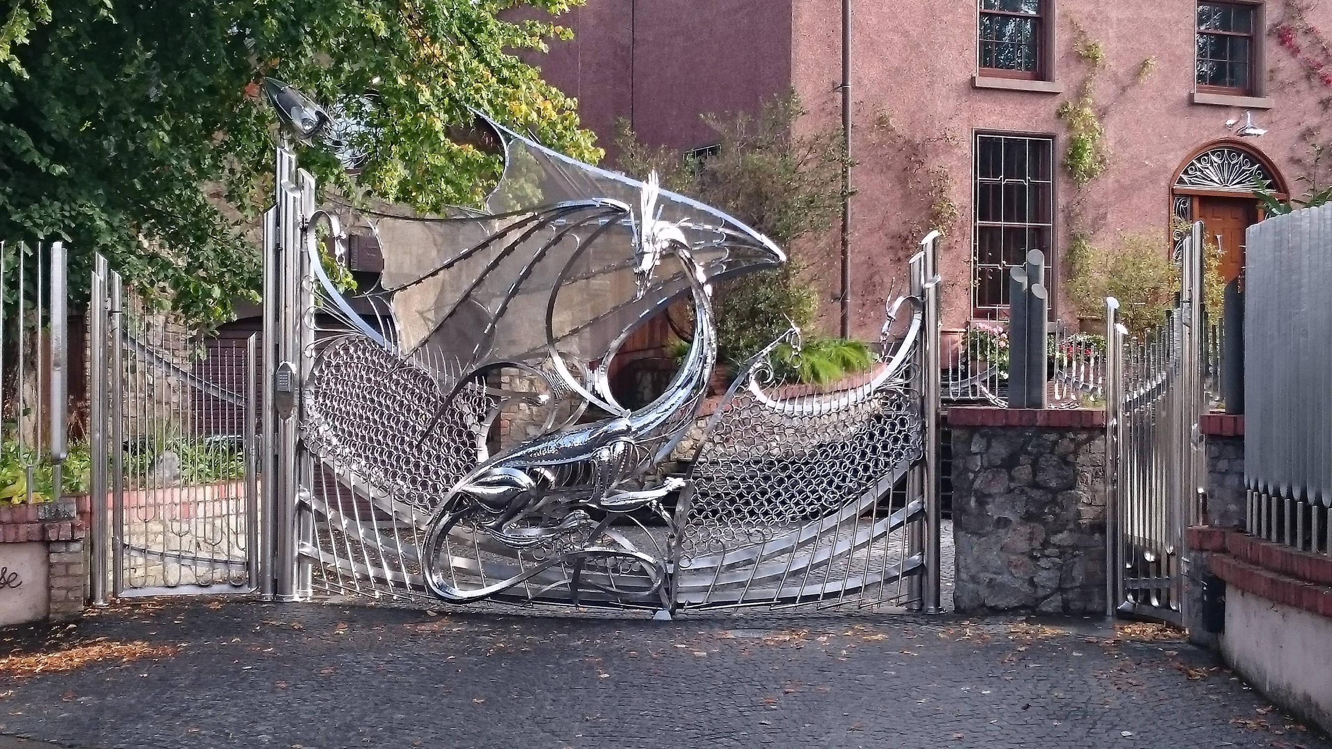 A truly badass gate.3