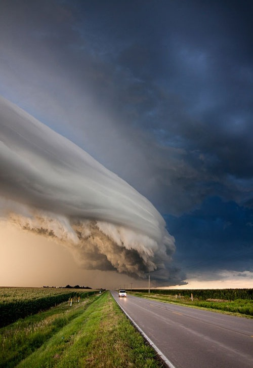 Amazing Cloud Formation Caught in Nebraska