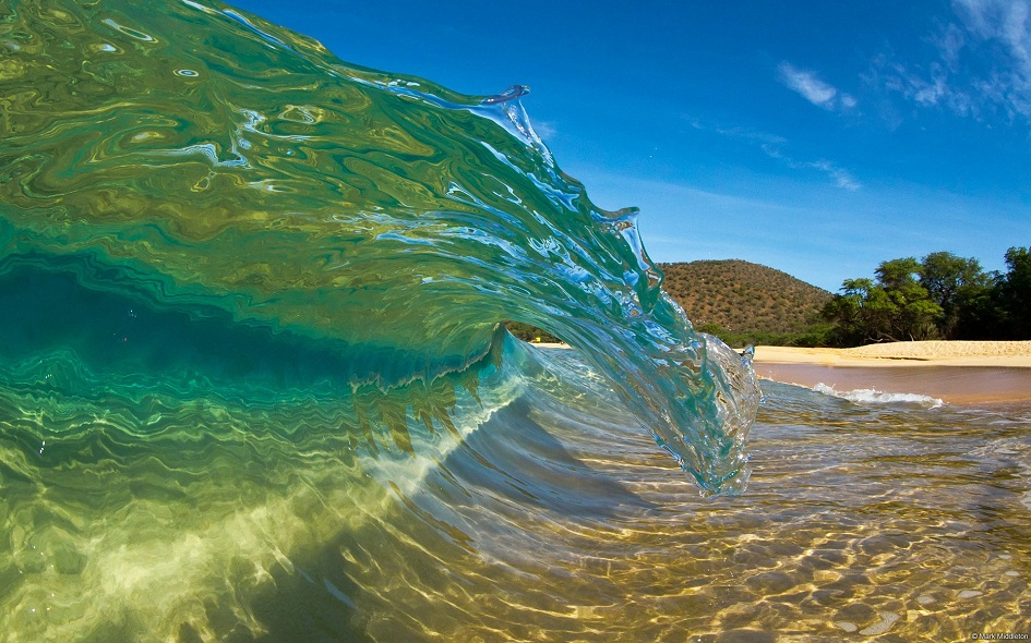 Crystal-Clear Wave