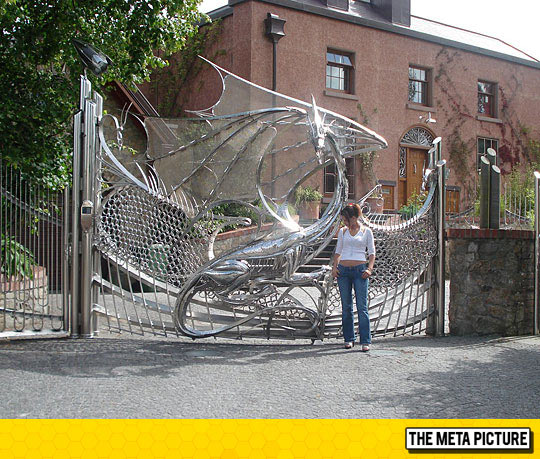cool-amazing-Dragon-gate-design