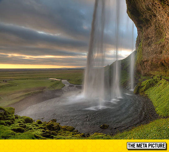 cool-waterfall-Iceland-mountains