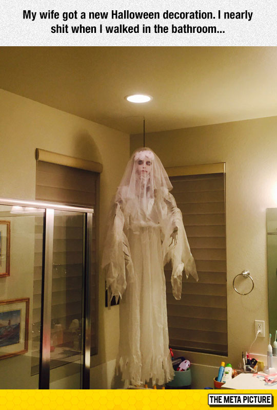 creepy-Halloween-decoration-bride
