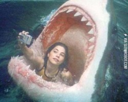 1bb. Nothing stops you from taking the perfect selfie.