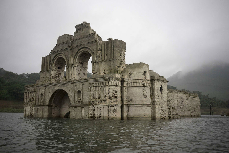 A dropping reservoir in Mexico caused this church,