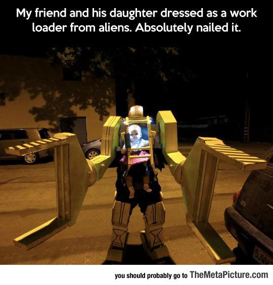 cool-Halloween-costume-Alien-work-loader