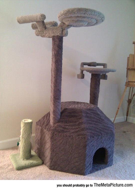 Majestic Star Trek Cat Tree
