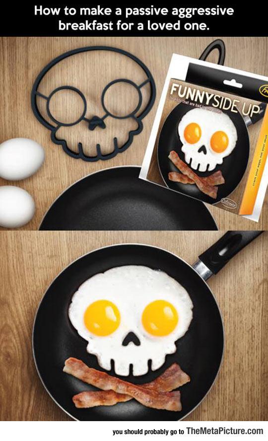 cool-eggs-skull-shape-breakfast