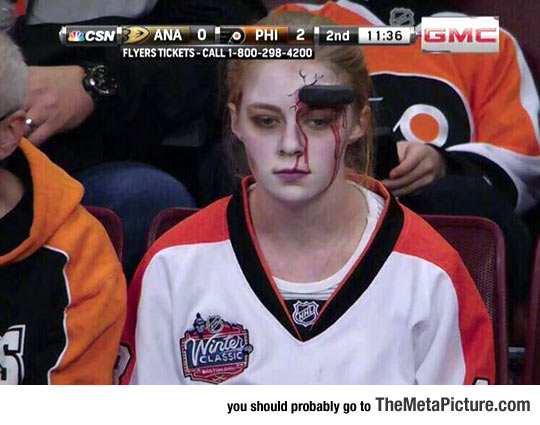 This Girl At The Philadelphia Flyers Game