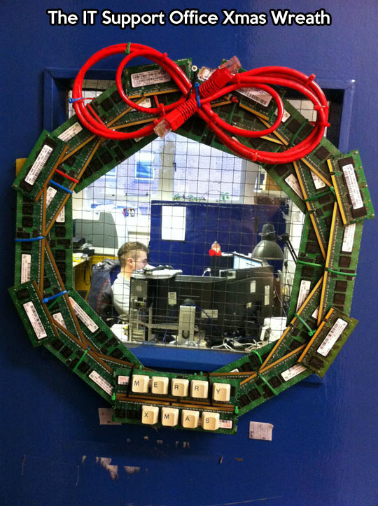 cool-Christmas-Wreath-IT-support-office