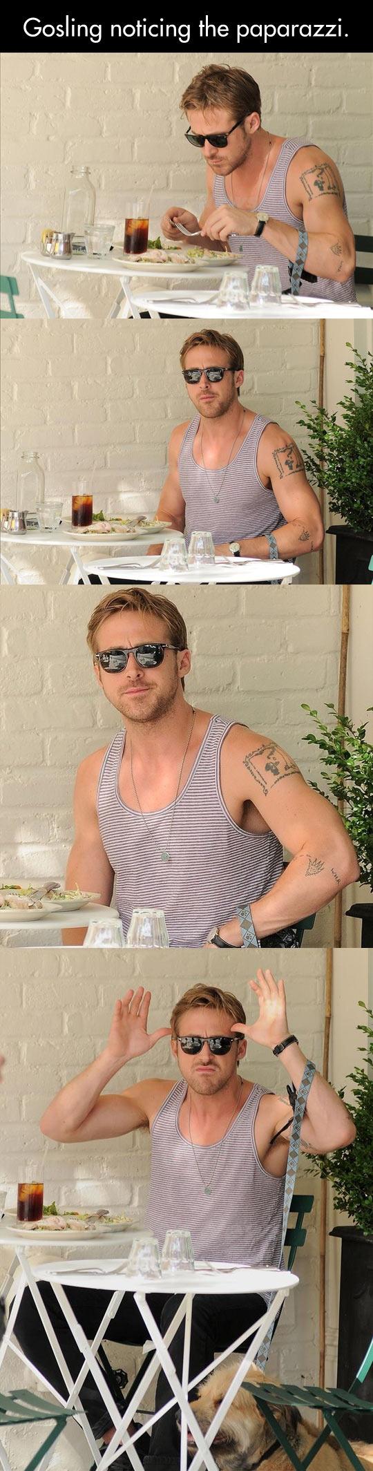 cool-Ryan-Goslin-eating-bar-paparazzi