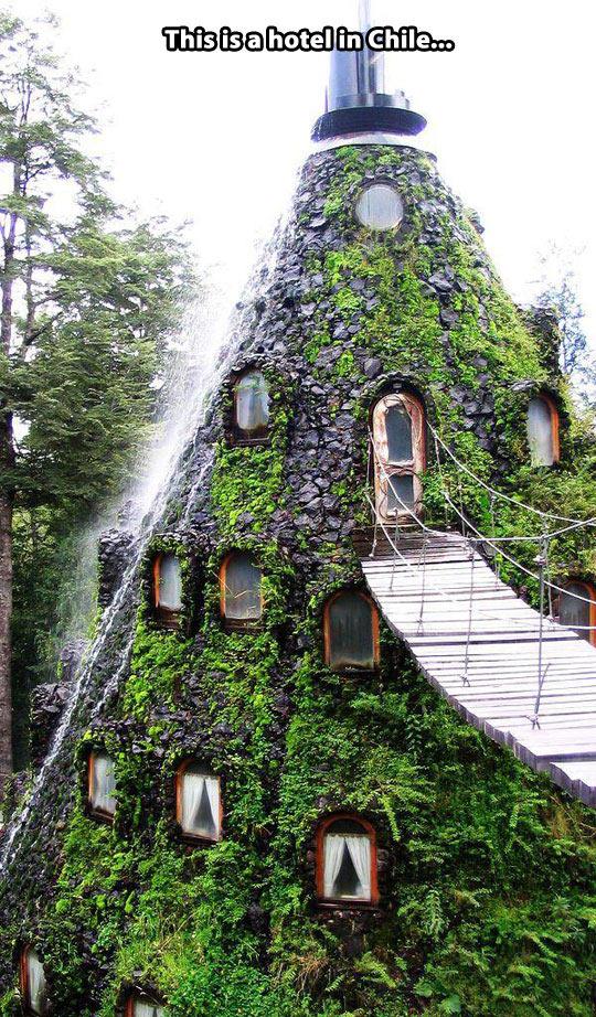 funny-Hotel-Chile-rock-cone-walls-bridge