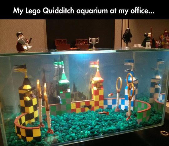 LEGO-Quidditch-aquarium-office