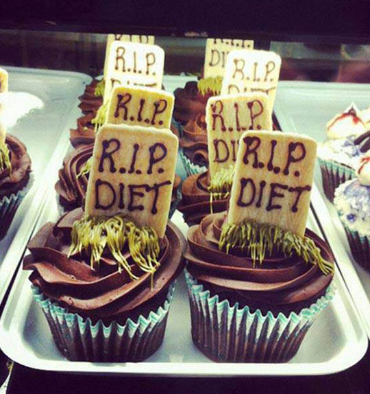 cool-cupcake-RIP-diet-tombstone