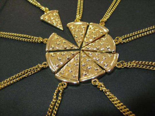 cool-pizza-necklace-slice-eight