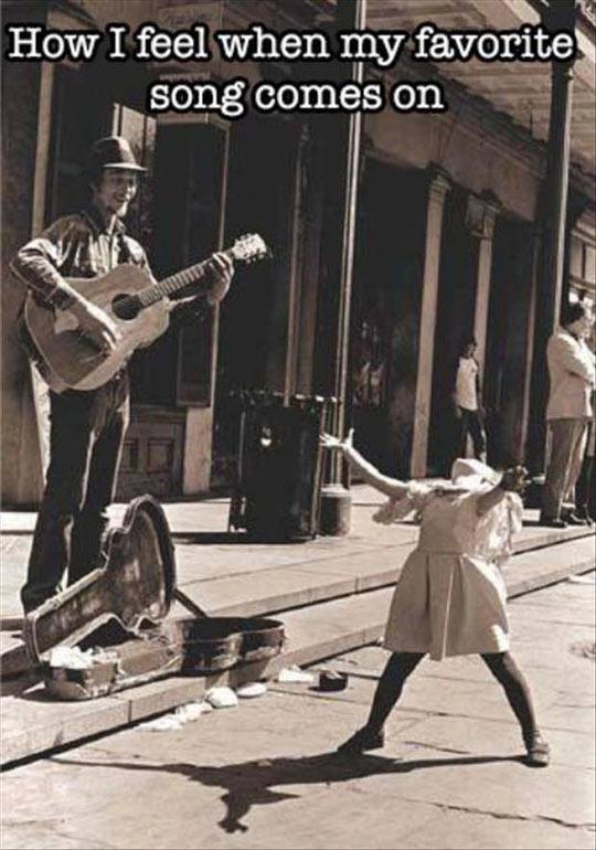 cool-song-street-singer-girl-dancing
