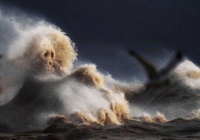 breaking_waves_05