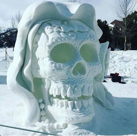 cool-snow-skull-sculpture