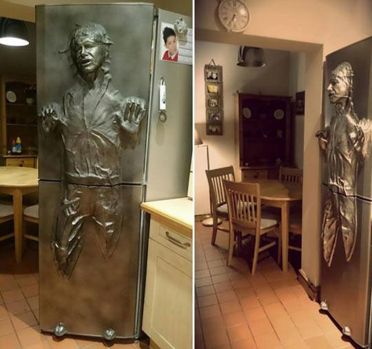 cool-Han-Solo-frozen-fridge-sculpture