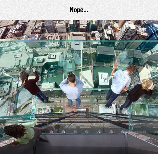 cool-skywalk-building-view-glass-floor