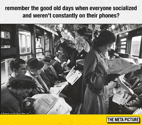 funny-old-photo-reading-newspaper-bus