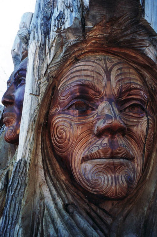 cool-carved-face-tree-trunk