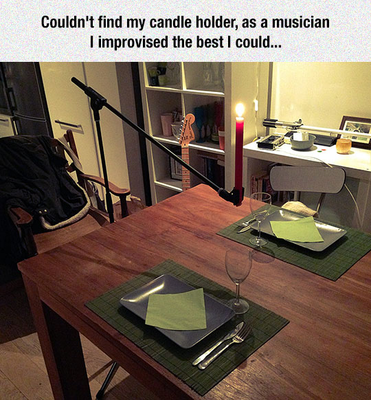 cool-microphone-stand-candle-dinner