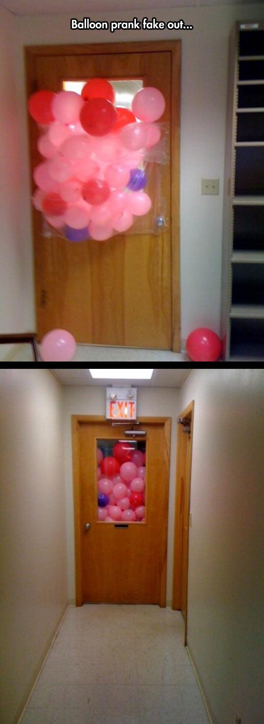 cool-prank-balloon-door-glass-fake