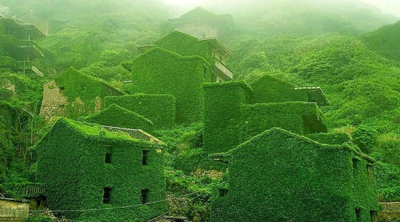 An abandoned Chinese fishing village