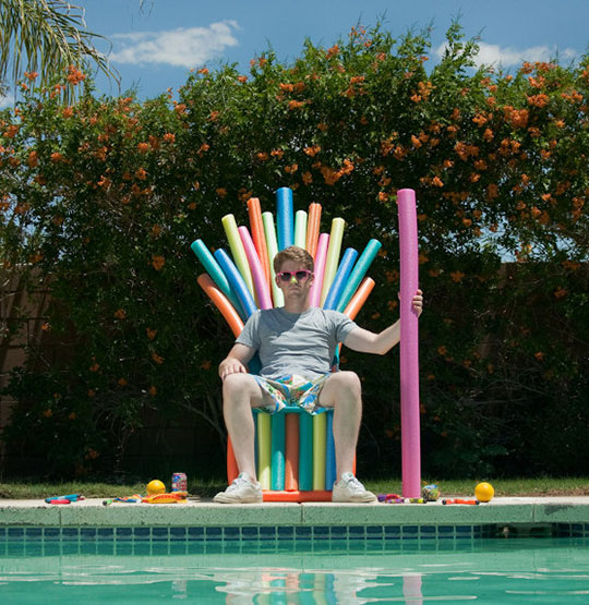 cool-man-pool-floater-throne