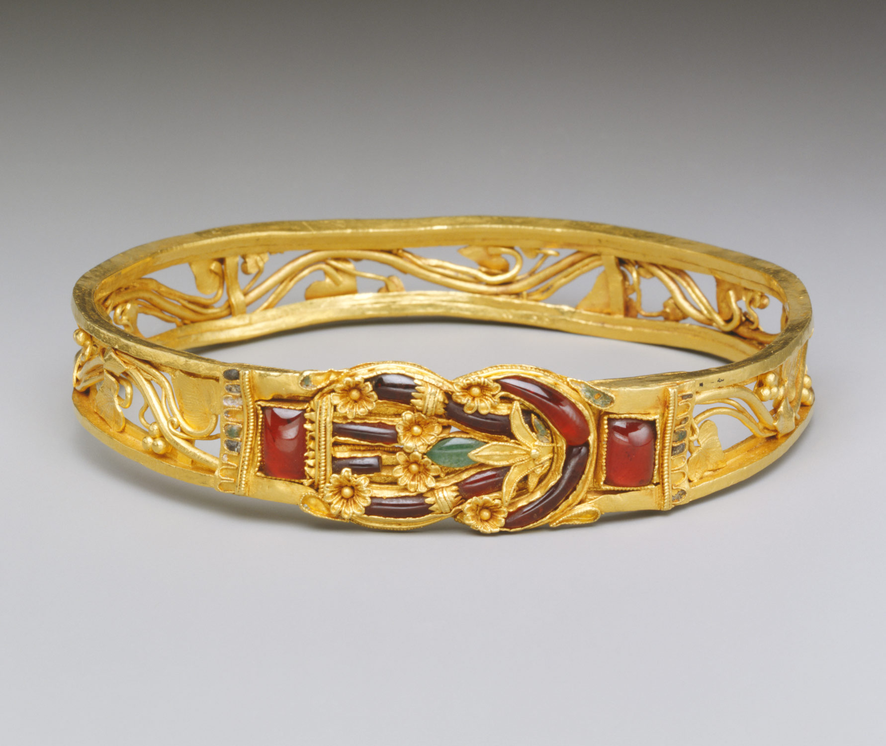 A 2,200 year old bracelet