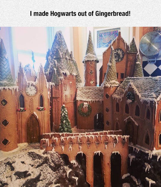 cool-gingerbread-house-Harry-Potter