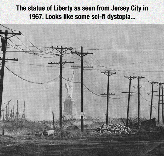 An Old Picture Of The Statue Of Liberty
