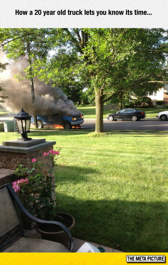 funny-old-truck-fire-street