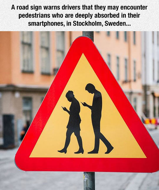 funny-sign-texting-people