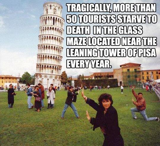 funny-Pisa-Tower-tourist-trap